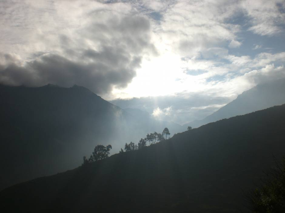 Things to do in Peru: watching the sun rise over the mountains in Marcahuasi