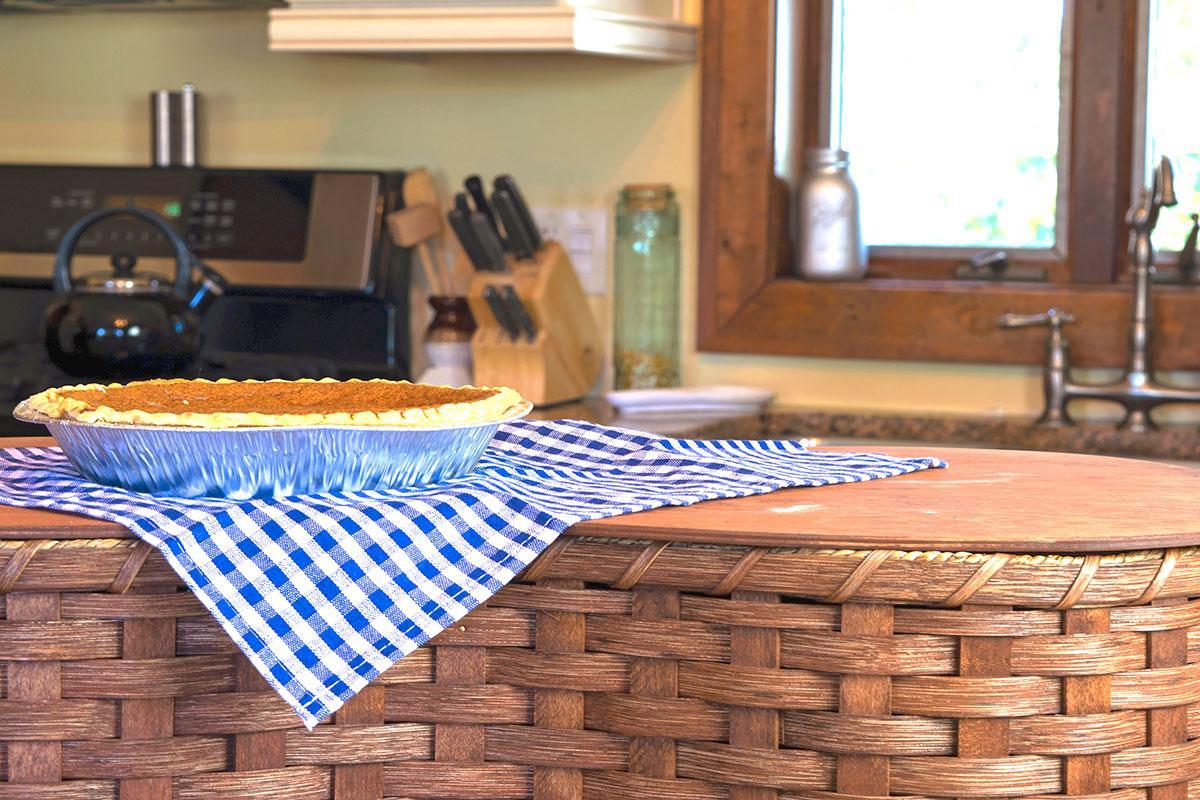 Cake, Pie & Casserole Basket Collection