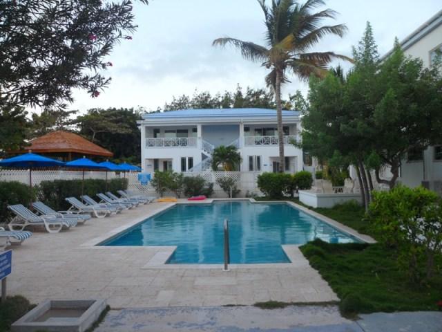 The beautiful pool at Shoal Bay Villas