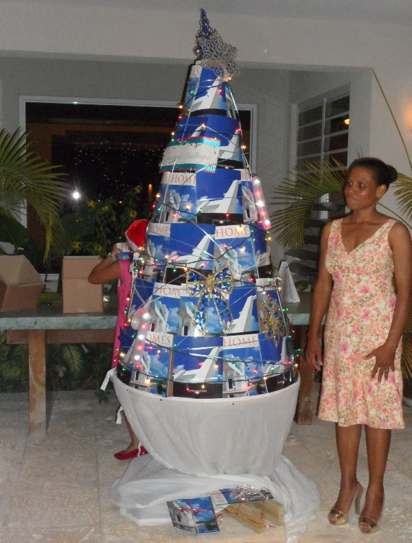 A christmas tree of magazines
