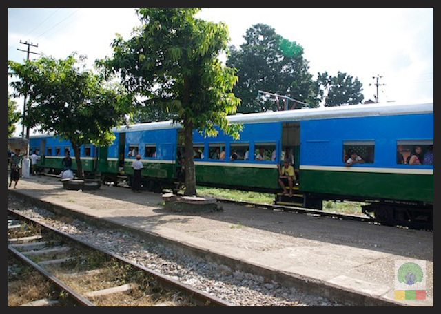 Circle Line Train - Yangon - Myanmar (Burma) 4