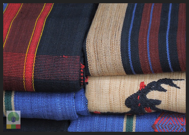 Shopping Cloth in Yangon - Bogyoke Aung San Market (former Scott's Market) - Myanmar (Burma) 5