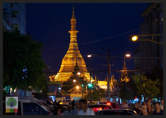 Sule Paya by Night - Yangon - Myanmar (Burma)