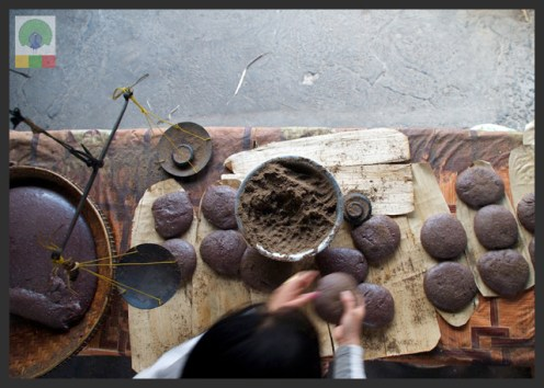 Black Sesame Seed and Sticky Rice Cake - Delicious Myanmar 5
