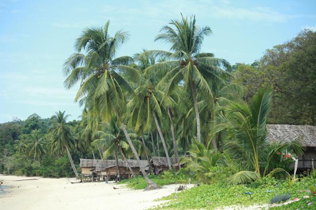 Moken Camp - Myeik - Mergui Archipelago - Myanmar Travel Essentials