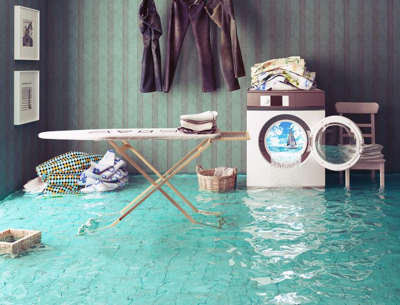 Άντληση υδάτων - πλημμυρισμένο σπίτι