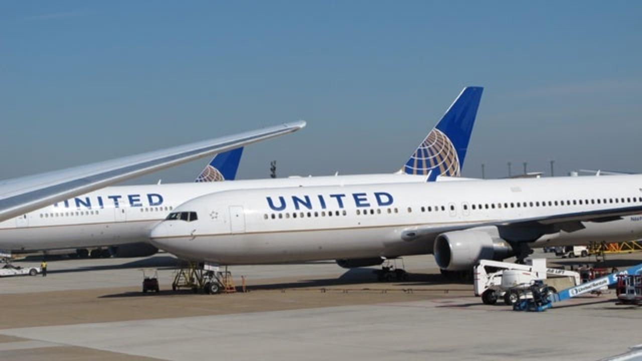 Pilots arrested before US flight on suspicion of