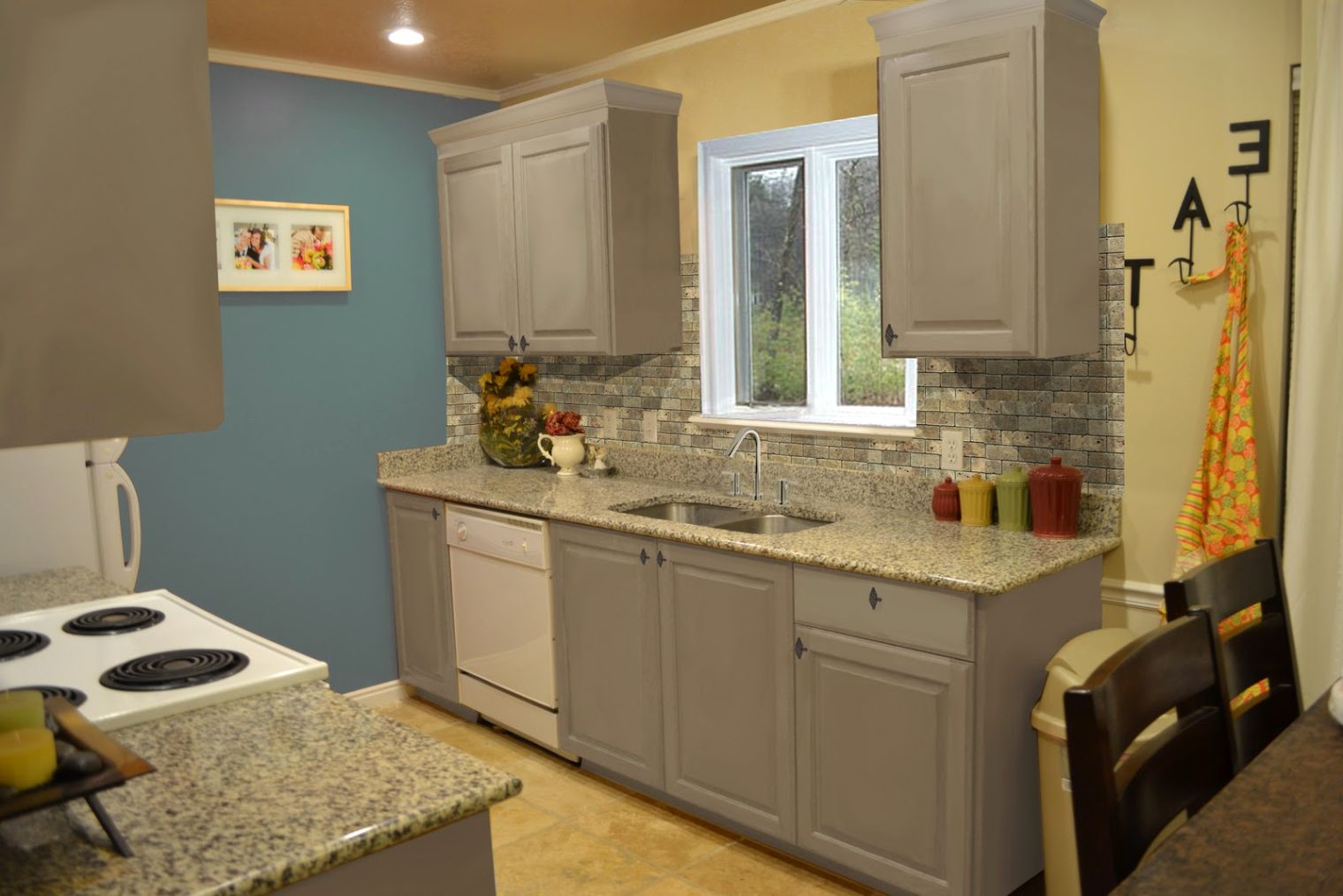 Small Kitchen Design Grey