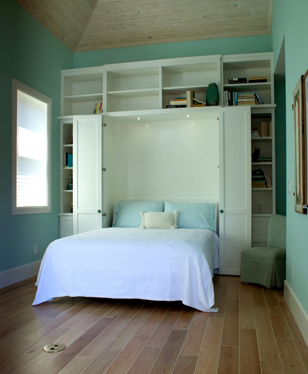 20 Space-Saving Murphy Bed Design Ideas for Small Rooms on Ideas For Small Rooms  id=88886
