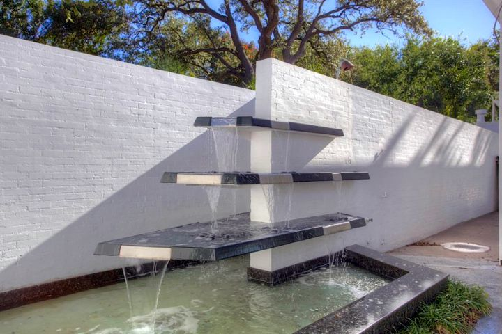 17 Modern Water Feature Designs For Your Garden on Modern Backyard Water Feature id=99131