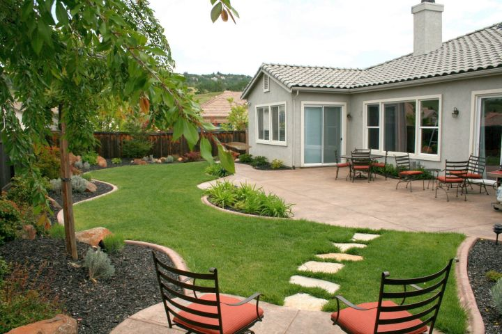 18 Simple and Easy Rock Garden Ideas on Backyard Rock Designs id=65803
