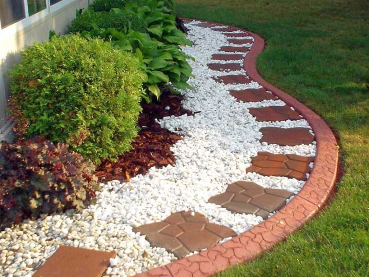 18 Simple and Easy Rock Garden Ideas on Backyard Rock Garden Ideas id=83598