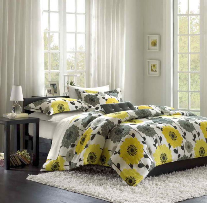 Yellow And Grey Bedroom Themes: Yellow Gray Bedroom With Flower Bedding