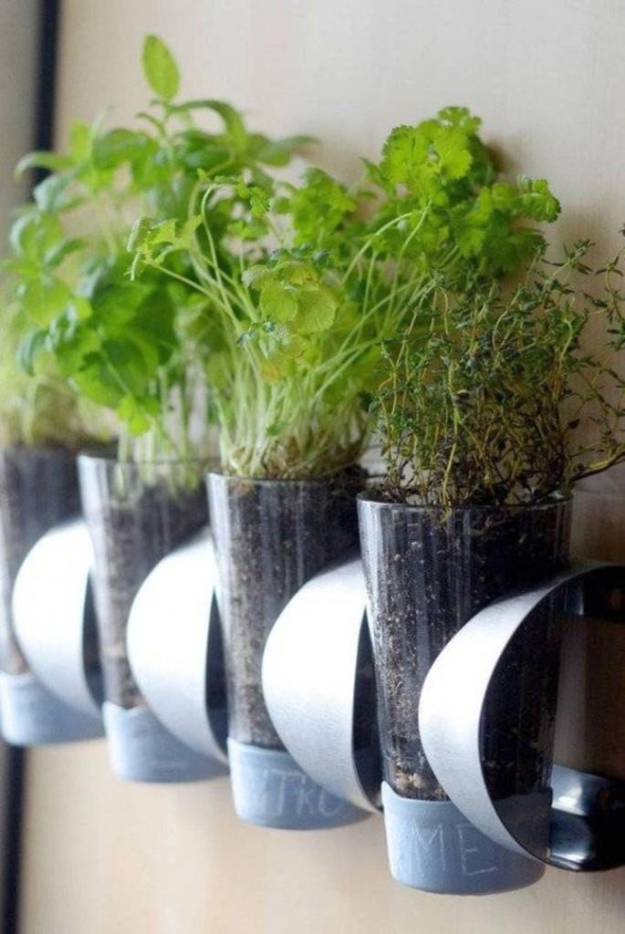 18 Alluring Indoor Wall Hanging Planter Designs on Hanging Plant Pots Indoor  id=20860