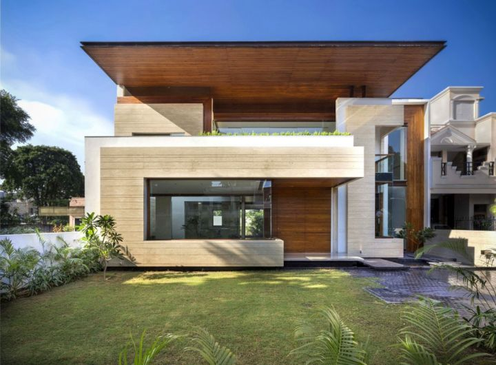 Fascinating Modern House by Charged Voids - Punjab, India