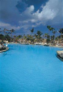 The Lagoon Pool at the Coral Towers. Image Credit: Atlantis, Paradise Island Resort