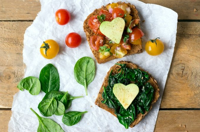 BRUSCHETTA AND SPINACH TOAST – SIMPLE SNACKING
