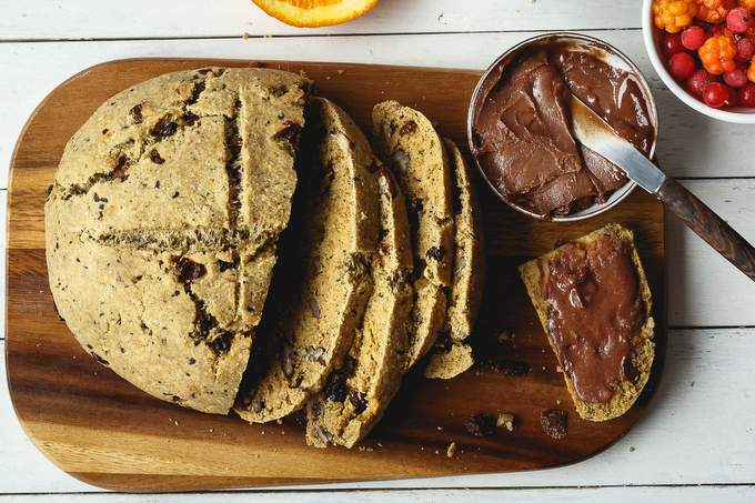 VEGAN GLUTEN-FREE FRUIT AND NUT BREAD WITH CHOCOLATE BUTTER