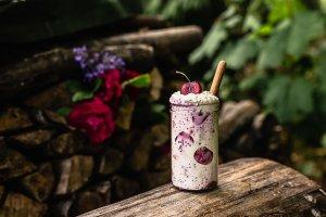 Cherry coconut-vanilla overnight oats