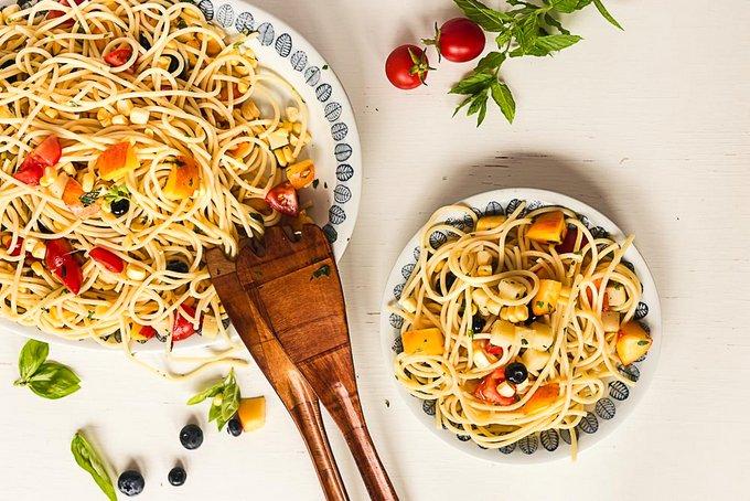 End-of-summer pasta salad (vegan)