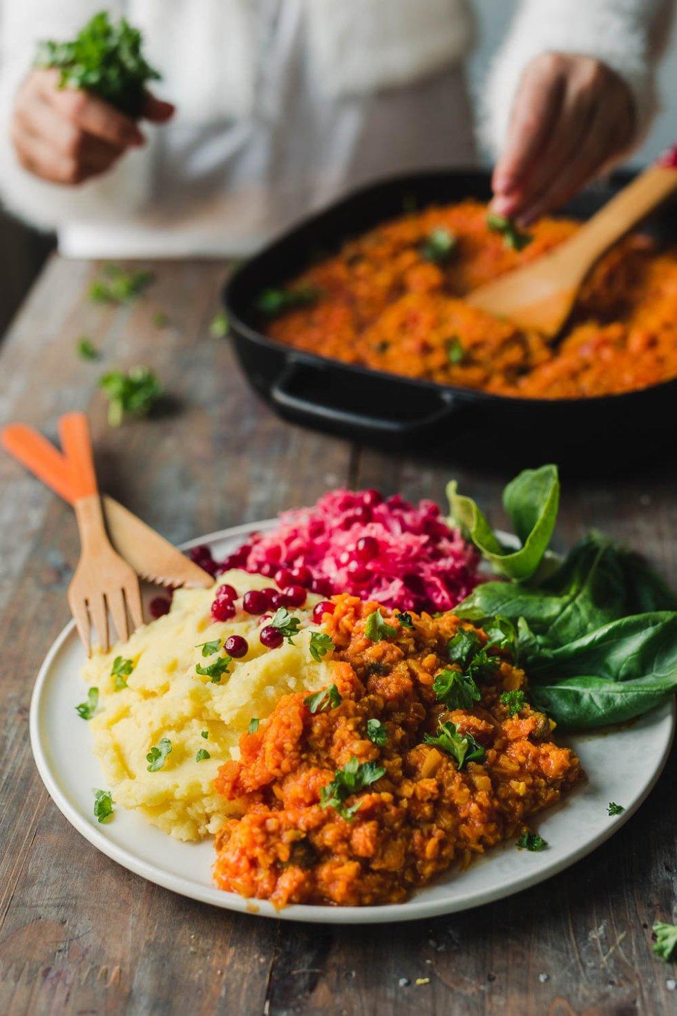 Cauliflower lentil bolognese