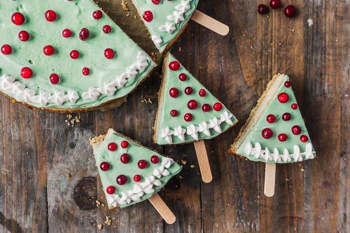 Christmas Tree Cheesecake Pops