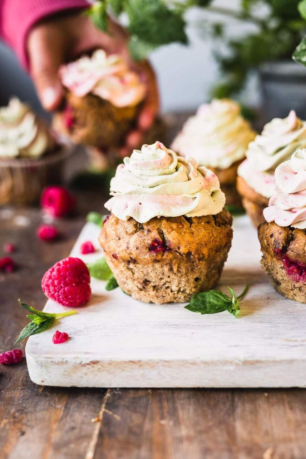 Taateleilla makeutetut muffinssit