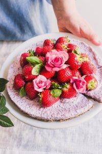 Strawberry chia pudding tart with granola crust