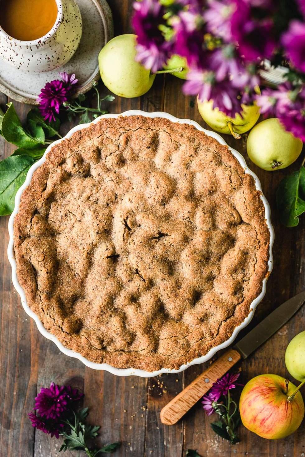 Vegan apple pie with buckwheat crust