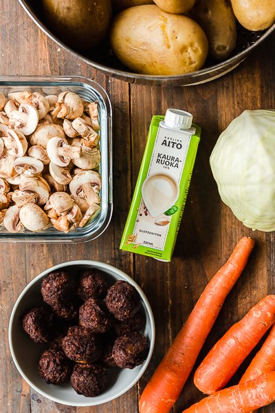 "Day 1 ingredients: mashed potatoes, creamy mushroom sauce with vegan ""meatballs"""