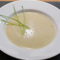 German Cream of Cauliflower Soup
