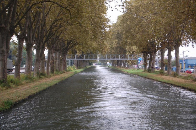 canal crusing
