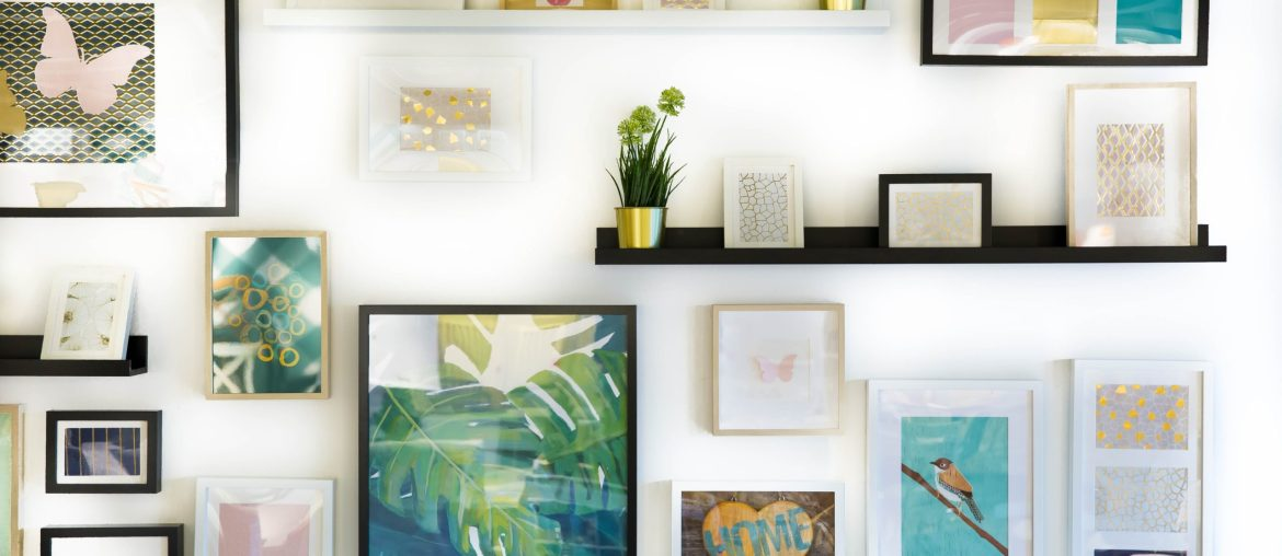 Photo Wall | A New Trend in Home Interiors: CLUTTERCORE | MyBoysen