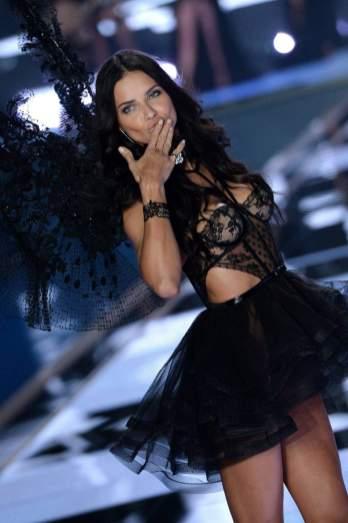 Adriana Lima / credit Abaca