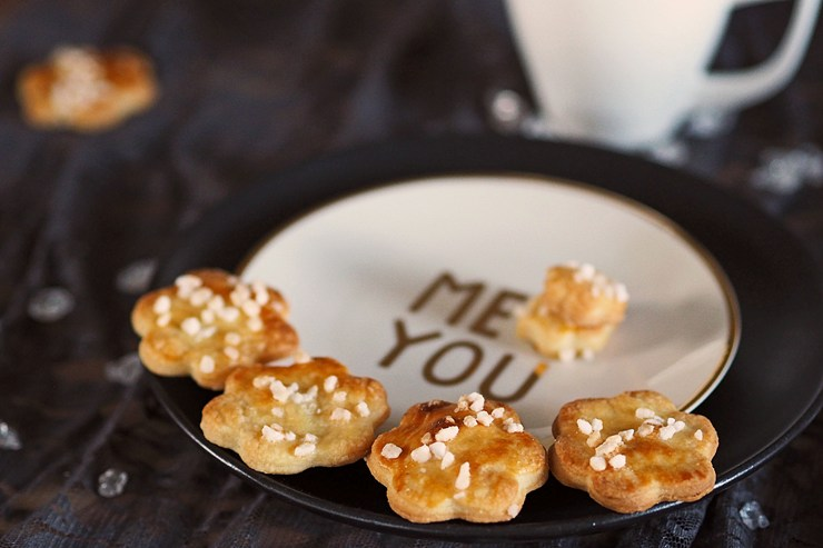 Sauerrahm-Kekse-mit-Hagelzucker
