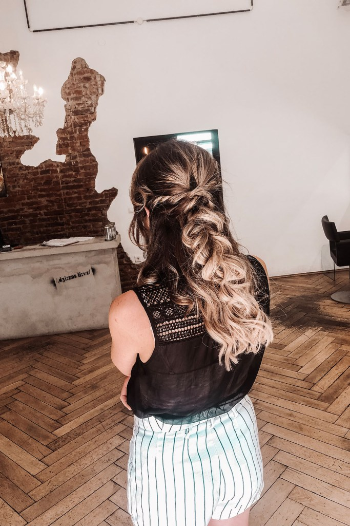 Frisur; Lange Haare mit Tape In Extensions