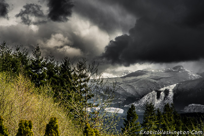 Seattle Photo | View of Cascades Mountain Ranges From Snoqualmie, WA