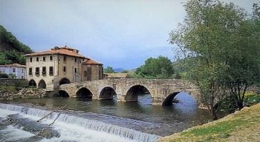bridge at Trinidad de Arre Villava Pamplona Camino de Santiago