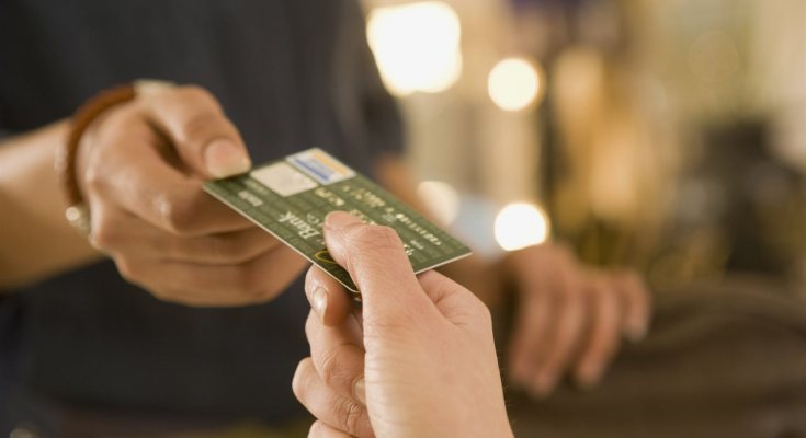 How Credit and Debit Cards Flag Fraud Before It Happens