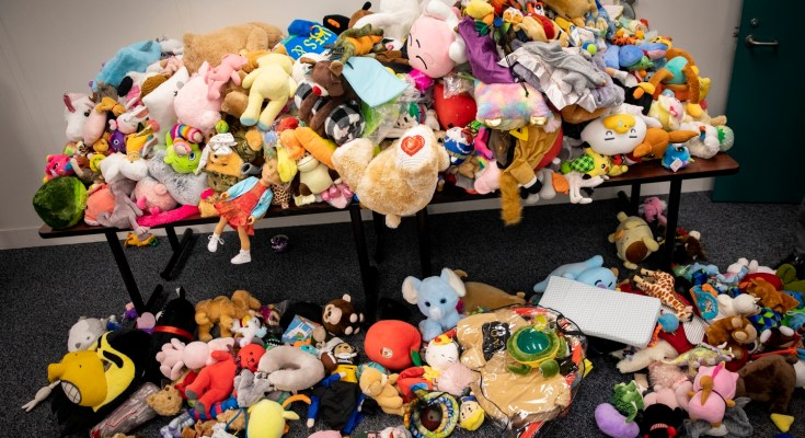 L&I Donates 900 Stuffed Toys to Pennsylvania Children