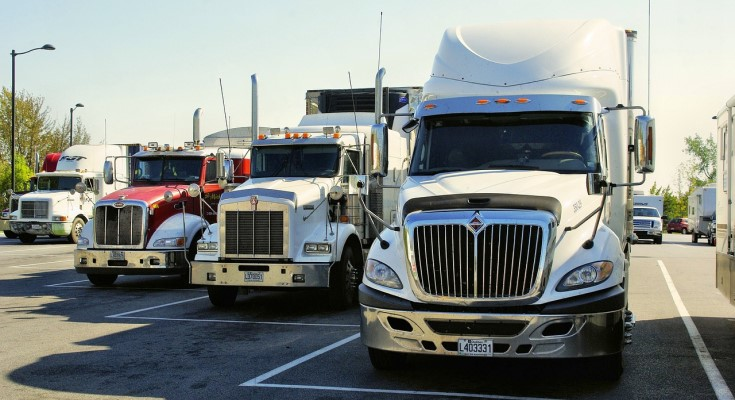 IRS Reminds Truckers of Aug. 31 Highway Use Tax Return Deadline; E-file Encouraged