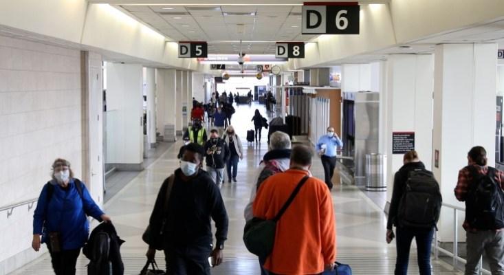 Philadelphia International Airport-Passengers with Mask in Terminal 1