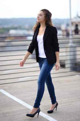blazer and skinny jeans