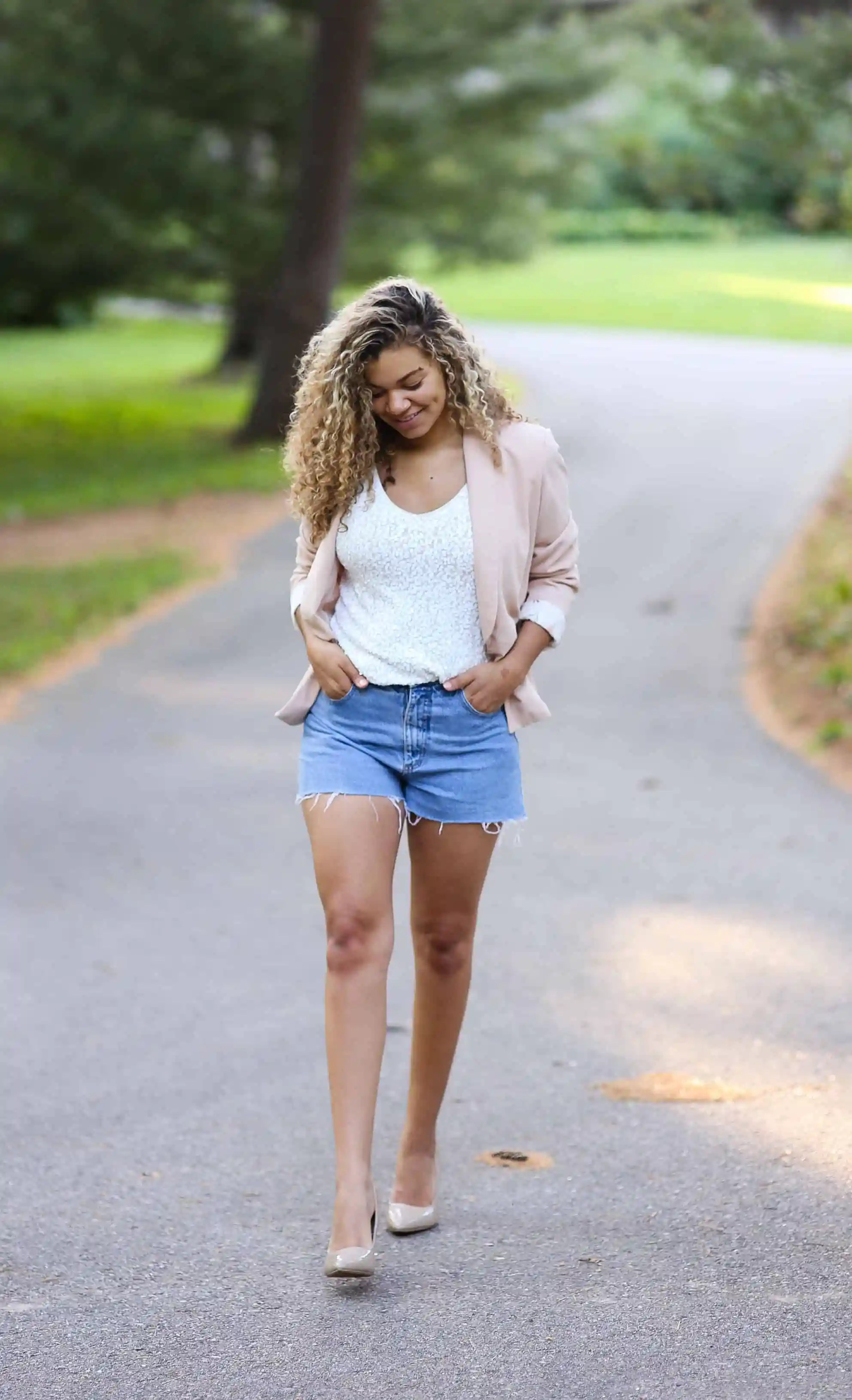 denim-shorts-summer-outfits