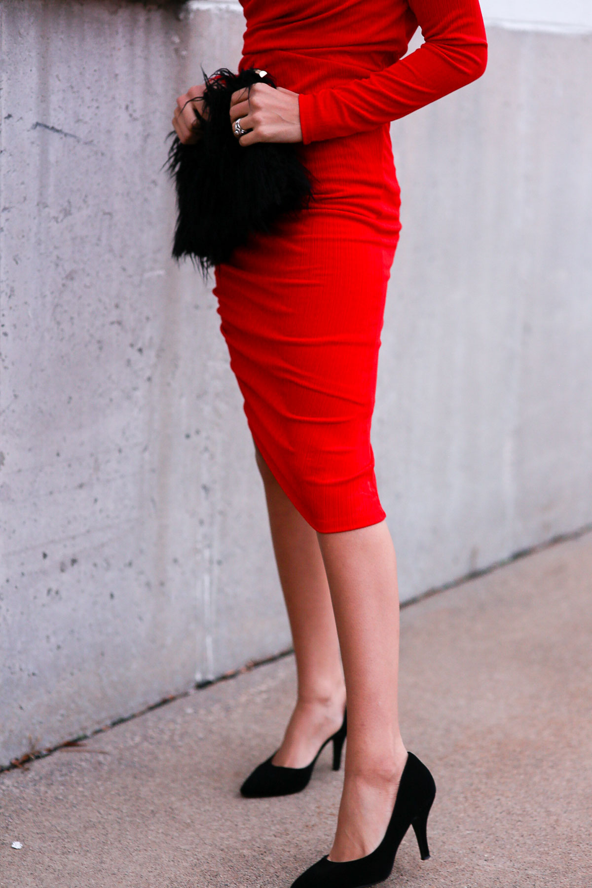 holiday outfits featuring a red dress and faux fur clutch
