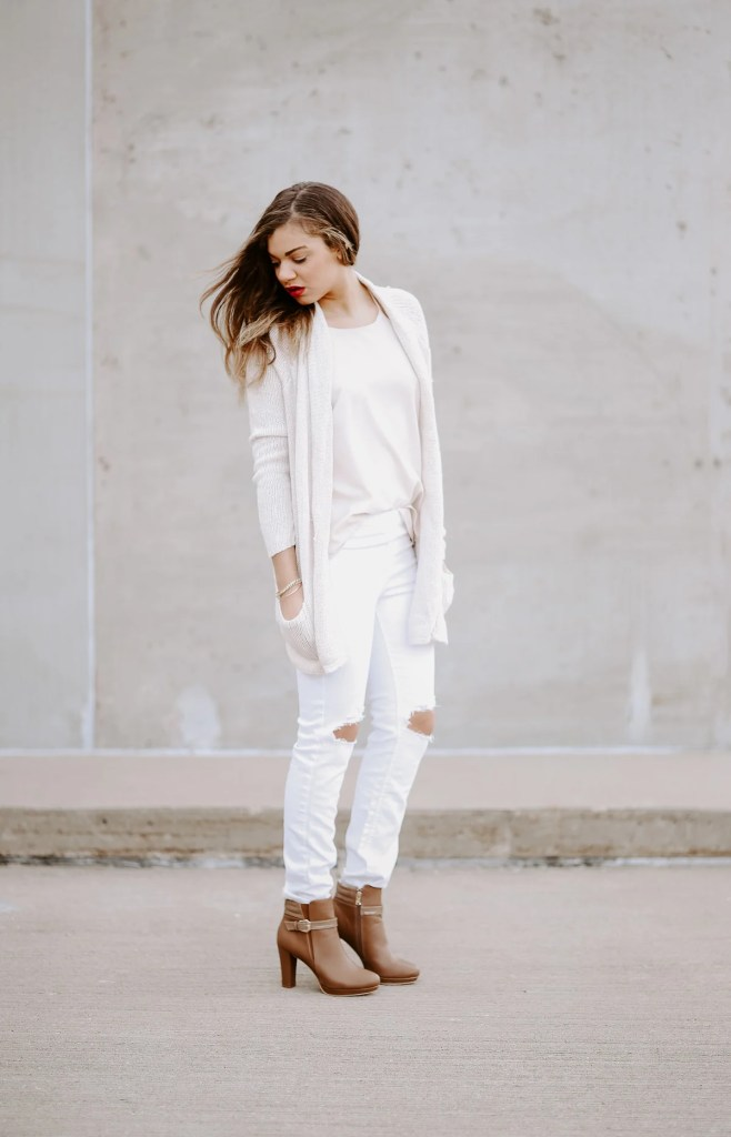all white outfit for a post that tells you about the fashion rules you should break!