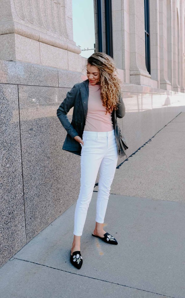 This white jeans outfit with a utility jacket makes the perfect spring and summer outfit!
