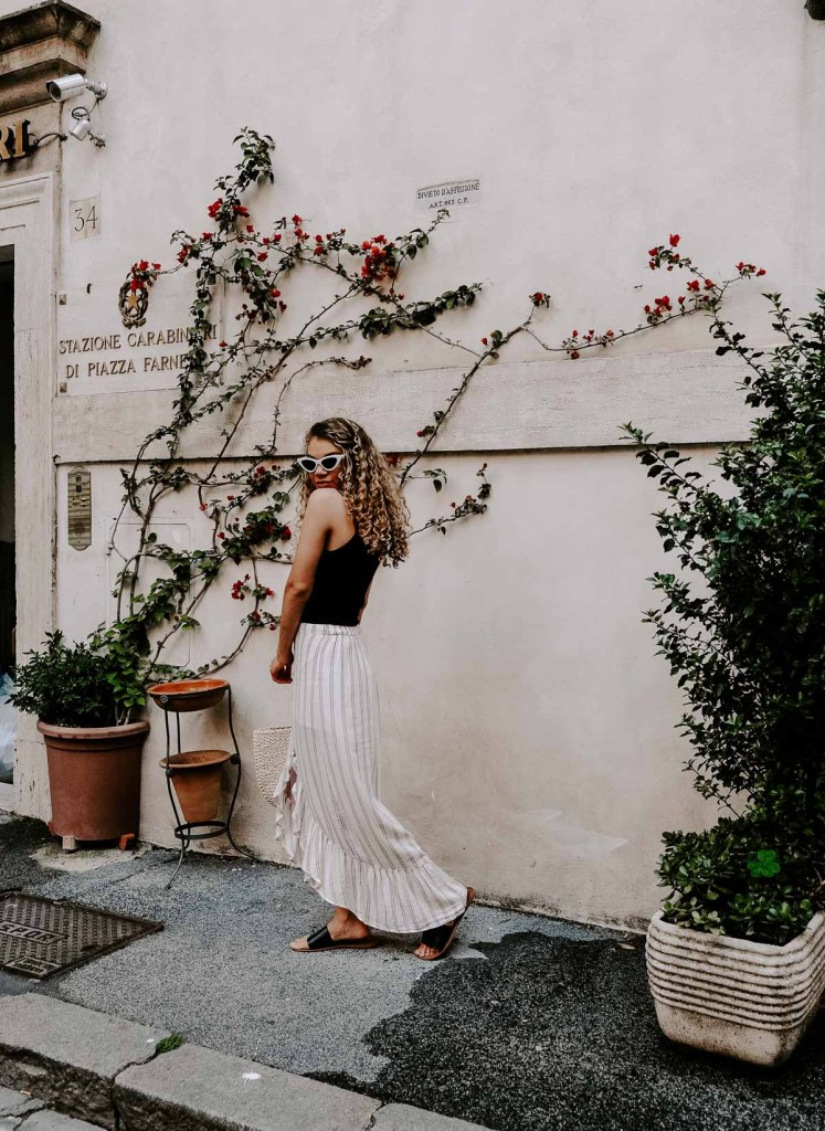 vacation outfit in Rome, Italy