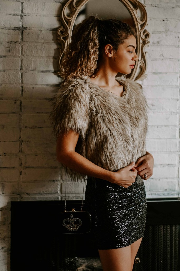 faux fur jacket holiday outfit