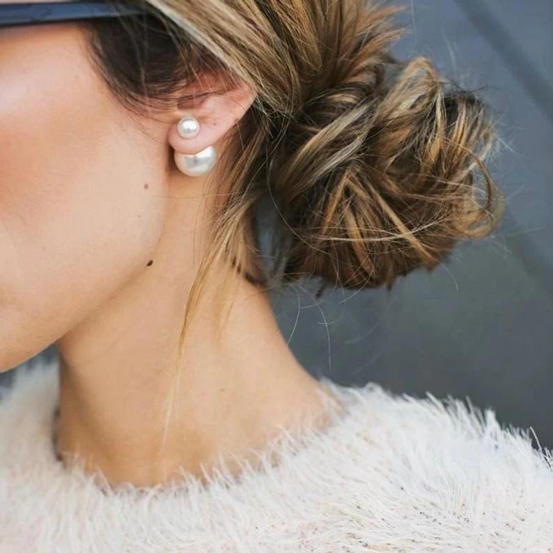 how to look elegant with pearl earrings